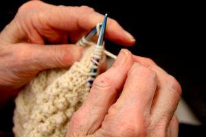 knitting hands-982x655